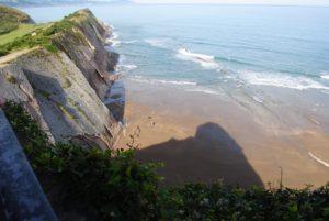 Eine typische Küste im Baskenland